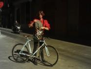 Un casco para los ciclistas urbanitas: plegable y con fundas intercambiables