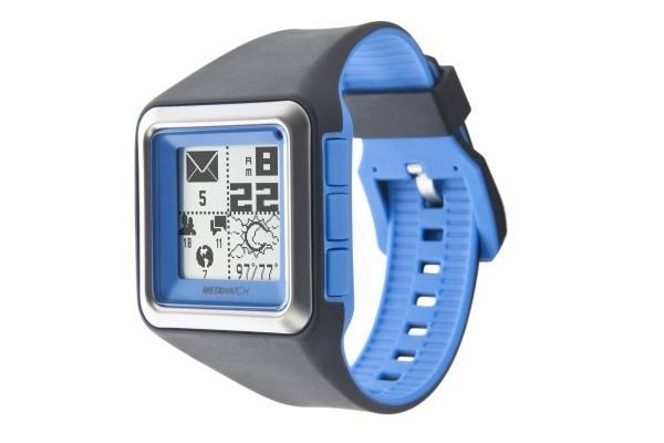 El Metawatch lleva una pantalla LCD en blanco y negro retroiluminada