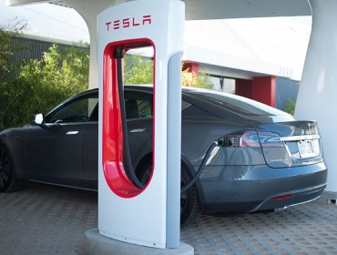 Tesla S Supercharger