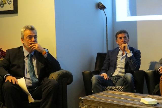 El ciclista y comentarista deportivo Perico Delgado junto a José María Goerlich, Catedrático del departamento de Trabajo de la Universidad de Valencia.