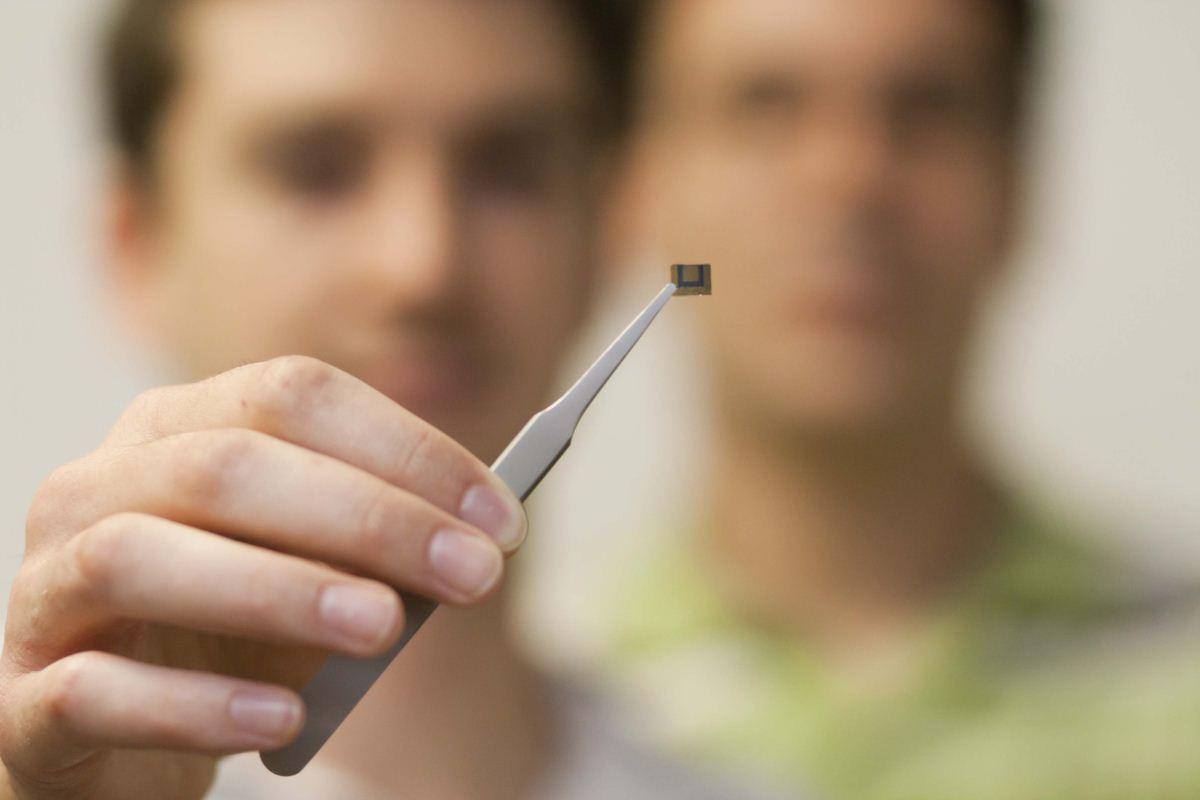 IBM fabrica un chip de grafeno usando técnicas estándar