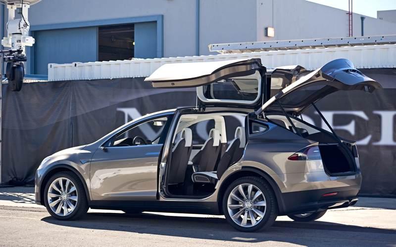 Tesla X, un familiar cuyo lema es