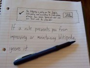 Tomar notas a mano mejora la comprensión a largo plazo