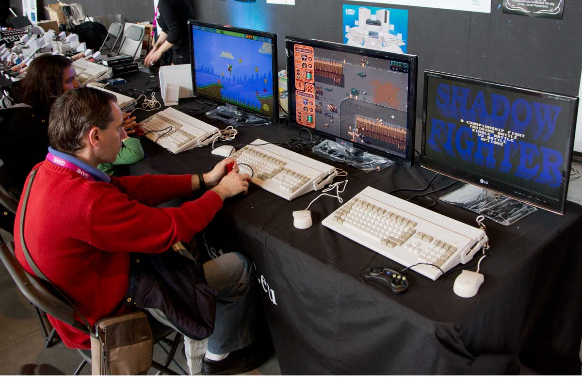 Desde Murcia repetían presencia en RetroMadrid los responsables de Amigastore, una tienda especializada en las máquinas de Commodore, entre las que destaca una estrella: el Amiga.