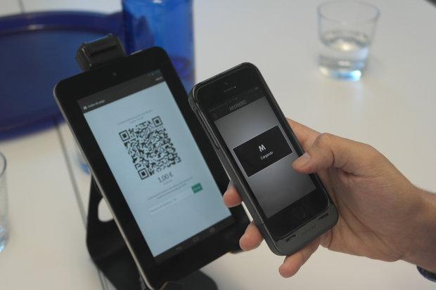 Para utilizar Mymoid, el usuario tiene que instalar una app en su móvil con Android o iOS