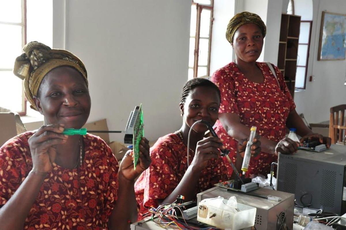Mujeres africanas en el Barefoot College