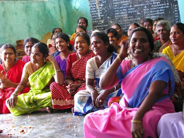 Mujeres de una aldea rural de India. Autor: McKay Savage.