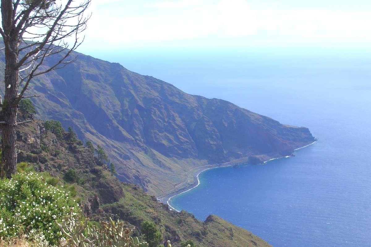 El Hierro, primera isla que utiliza exclusivamente energías renovables