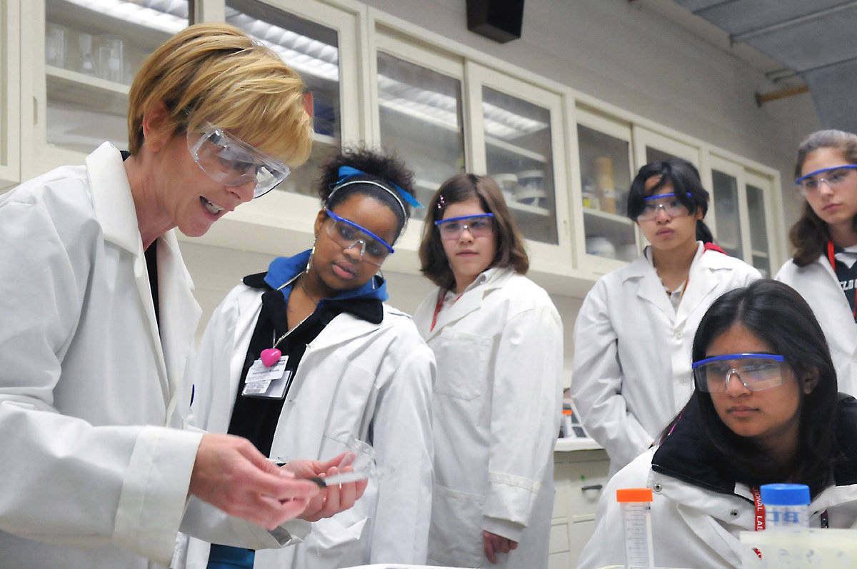 Start Tech, iniciativa para fomentar la vocación científica en los jóvenes
