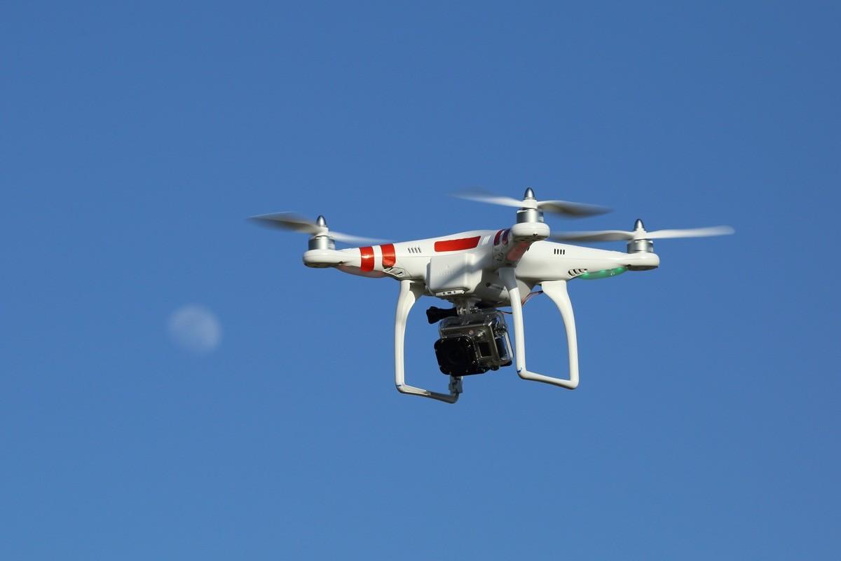 Arrestado por disparar al drone de su vecino