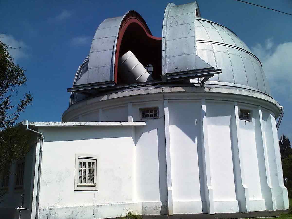 13 telescopios robóticos que ya puedes usar para mirar el cielo