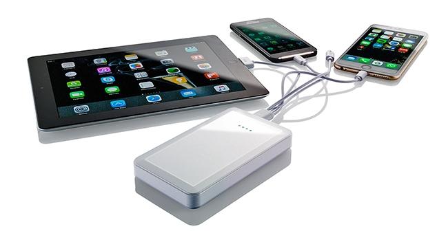 Una minibatería para cargar el móvil o arrancar el coche
