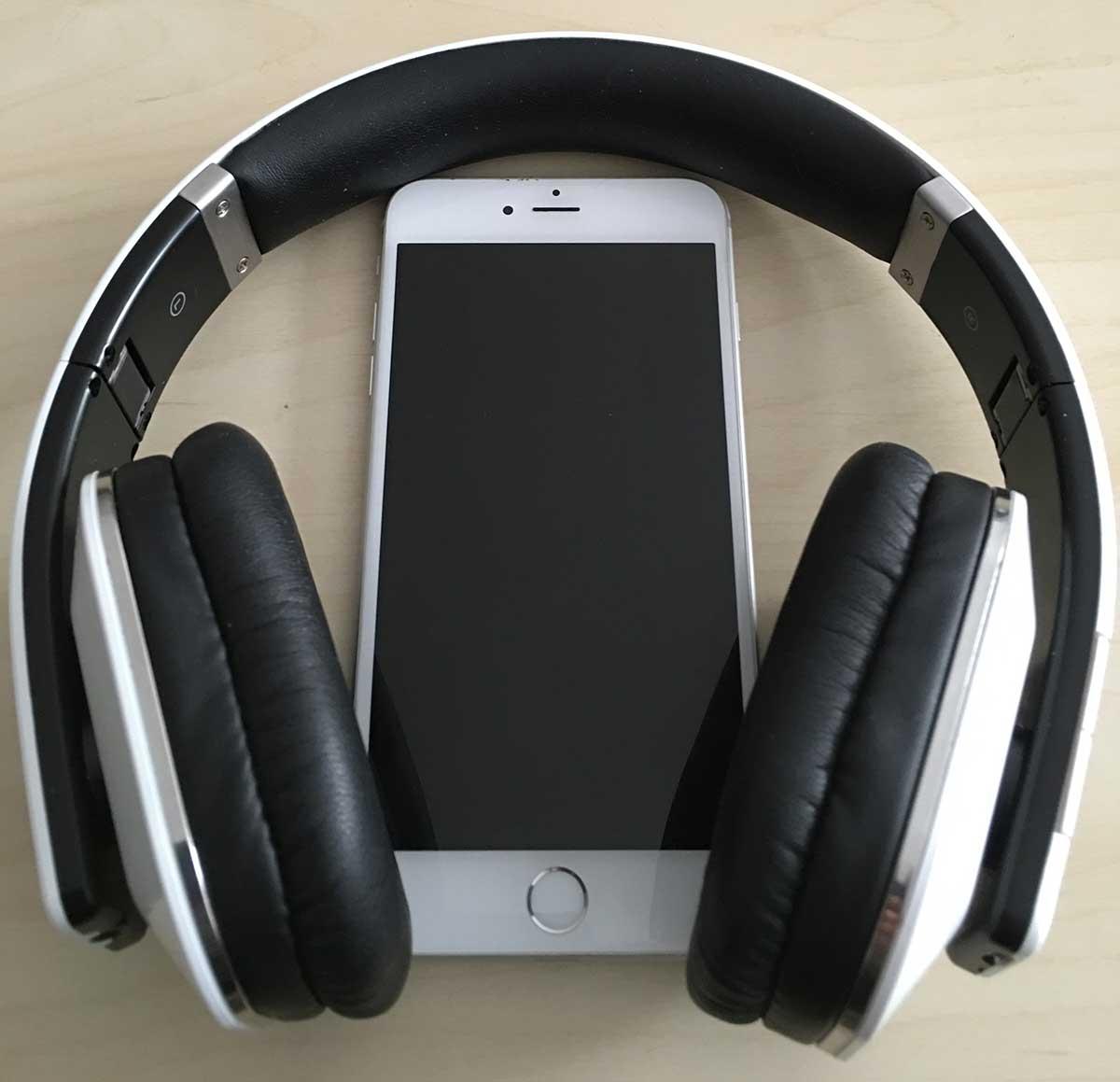 Auriculares grandes con iPhone 6 Plus
