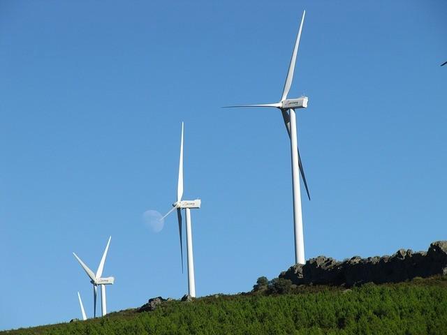 wind-turbine-957438_640