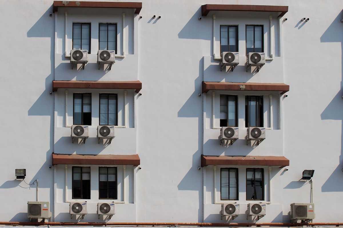 El aire acondicionado puede aumentar la contaminación en verano