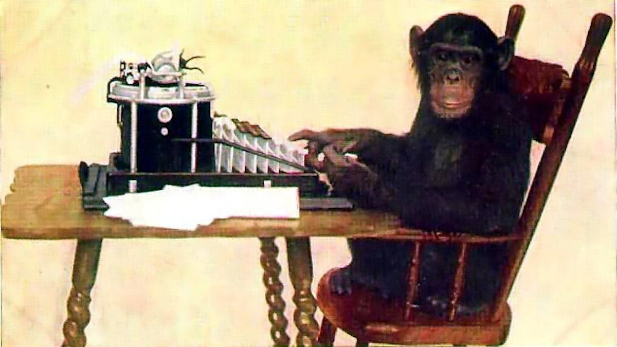 mono escribiendo a máquina